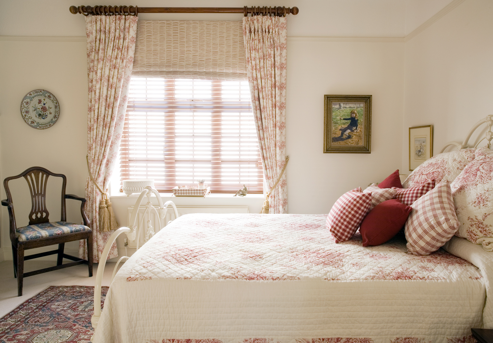 English country in the city adrienne at home - English bedroom ideas ...