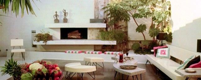 William-Haines-interior-designer-Designs-living-room-terrace-1