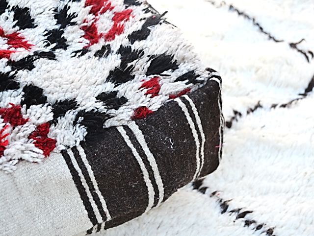 vermillion-black-white-pouf-corner